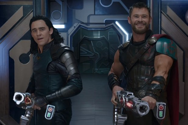 thor-ragnarok-trailer-comic-con-chris-hemsworth-tom-hiddleston-thor-loki-teamup
