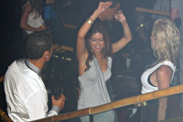 2_pay-exclusive-cristiano-ronaldo-parties-at-rain-nightclub-in-las-vegas-with-kathryn-moyorga-in-june-200